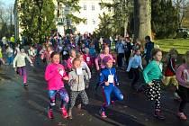 Loni se do cíle dostalo více než 400 závodníků. Kolik jich bude letos?