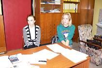 Novopacké studentky Dominika Prachařová a Lucie Pospíšilová.
