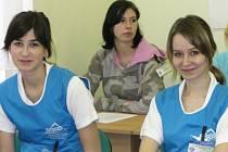 Novopacké studentky Věra Seidlová a Jana Trejbalová.