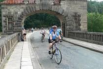 Cyklisté využili cyklobusů a z Krkonoš sjíždějí domů.