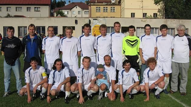 Úspěšné mužstvo SK Miletín.
