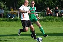 ŽELEZNICE hrála dvakrát doma, podlehla v Robousům, porazila Jičíněves. Gól zaznamenal i Zachoval (vpravo).