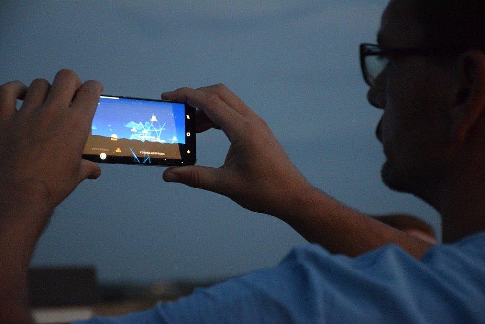 Pozorování Měsíce na hvězdárně v Jičíně