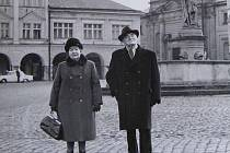 Jičínský historik Karel Kazbunda s manželkou.