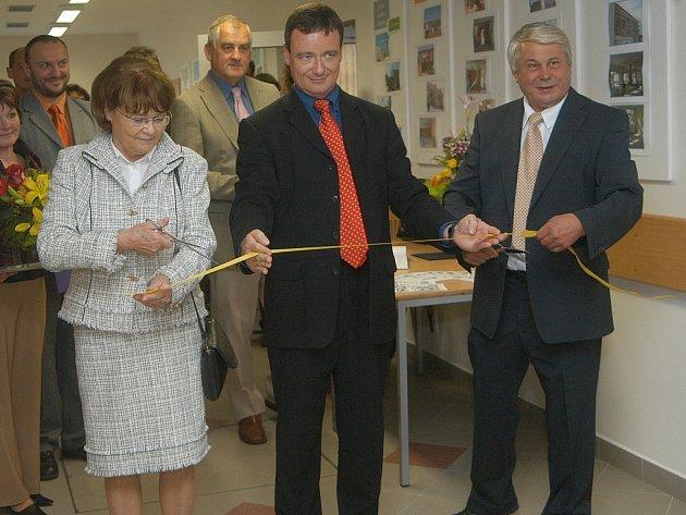Slavnostní zprovoznění rekonstruované školní budovy v Kopidlně.