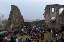 Ze slavnostního otevření hradu Pecka na zahájení sezony.