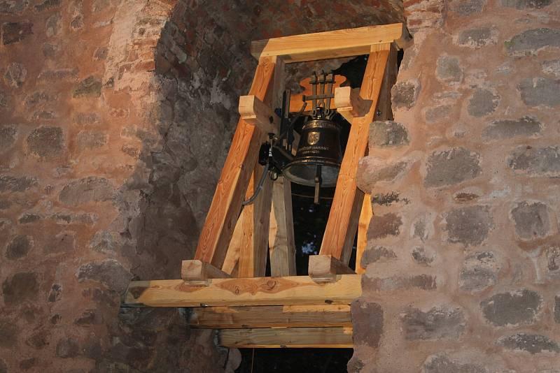 Zvon pro Kryštofa Haranta byl slavnostně odhalen v pátek 17. září.