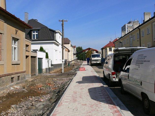 Oprava jičínské Vrchlického ulice.