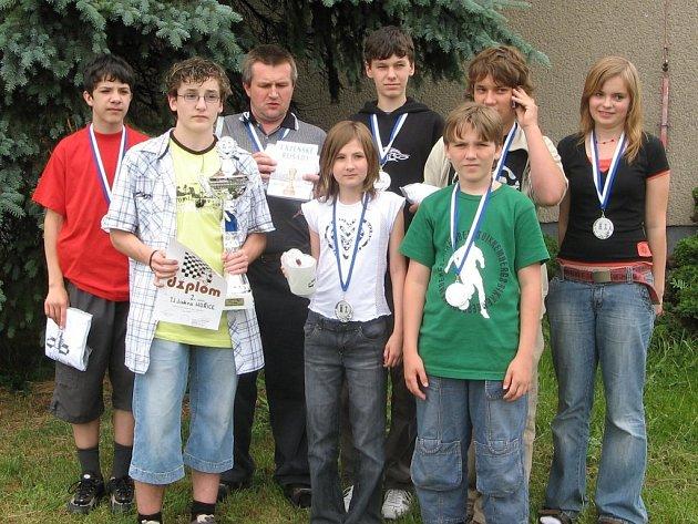 Skupinka hořických šachistů na turnaji v Zaječicích uspěla a odjížděla spokojena.