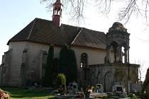 Kostel sv. Petra a Pavla v Drahorazi.