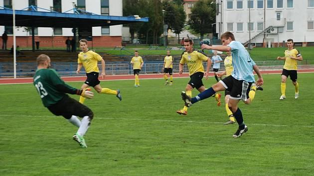 První branku Jičína vstřelil už ve 4. minutě Miler (vpravo).