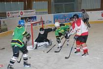Sedm branek přinesl zápas rivalů z Robous a Lužan.