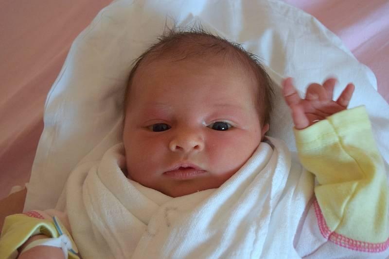 Eliška Bajerová je z Hradce Králové a svým příchodem na svět potěšila maminku Kláru a tatínka Michala. Holčička se narodila 20. září 2021, vážila 3050 gramů a měřila 49 centimetrů. Raduje se z ní také sestřička Anežka (2,5 roku).