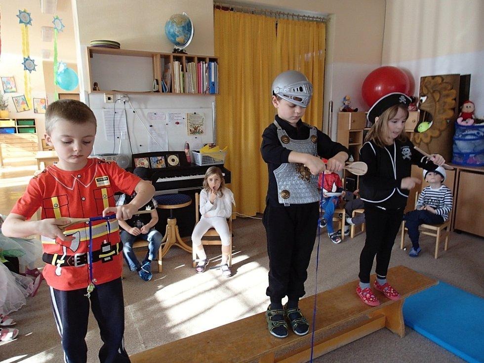 Maškarní karneval v jičínské MŠ Máj.