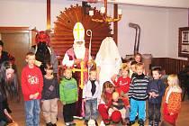 Návštěva Mikuláše u dětí v Kyjích.