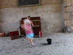 Hudba v ulicích.