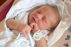Jakub Bohatý dělá radost rodičům Lilianě Bohaté a Martinovi Křelinovi od 29. května, kdy se narodil s mírou 50 cm a váhou 3,36 kg. Doma v Jičíně se na brášku těšil desetiletý Patrik a šestiletý Mathias.