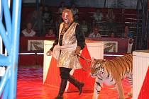 Z vystoupení cirkusu Jo-Joo v Jičíně.