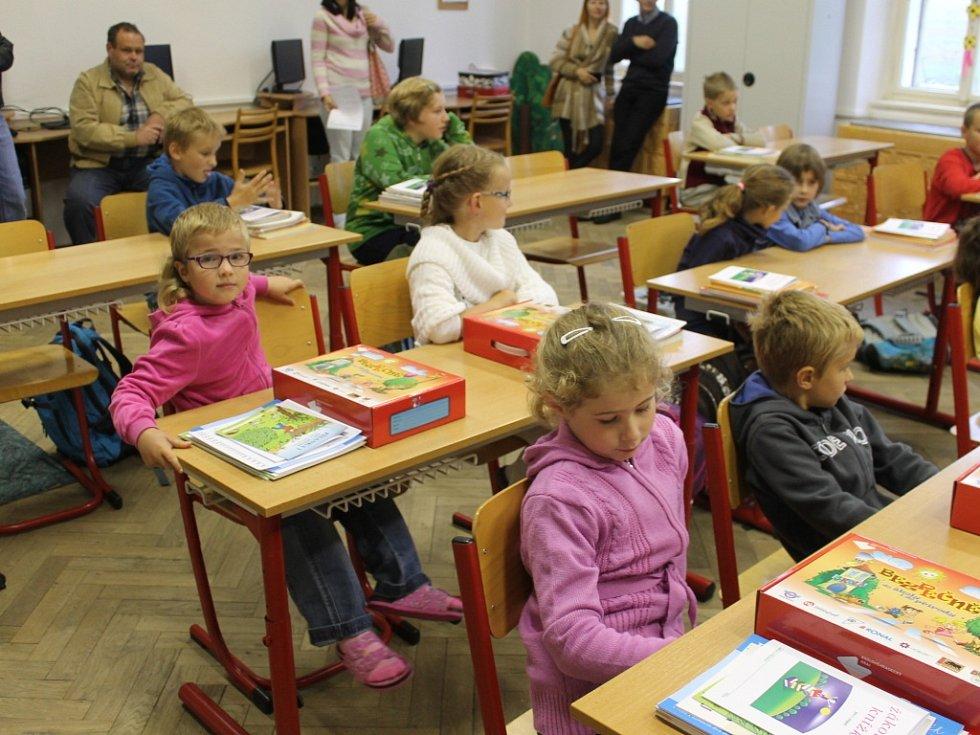 První školní den v ZŠ a MŠ Jičíněves.