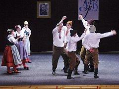 Vystoupení folklorního souboru Hořeňák v Libáni.