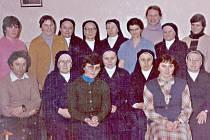 Personál mlázovického domova důchodců v r. 1988.