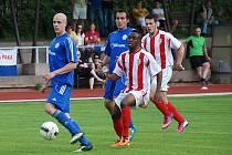 DIVIZNÍ FOTBAL se z Nové Paky stěhuje do Nového Bydžova. Posledním domácím zápasem byl duel s Jirny.