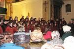 Koncert sboru Jizerka v úbislavickém kostele.