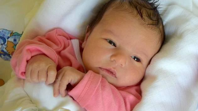 Rozálie Makovcová přišla na svět 28. října s porodní mírou 47 cm a váhou 2,95 kg. Z Rozálky se radují rodiče Tereza a Vít Makovcovi a dvouletá sestřička Adélka z Vojic.
