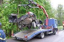 Jedna z nejtragičtějších dopravních nehod se stala loni 20. května v Rudníku na Trutnostku. Zemřeli při ni čtyři lidé.