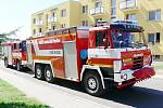Průvod na zahájení slavnosti hasičů ve Valdicích.