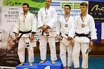 STUPNĚ vítězů v kategorii do 81 kg na Velké ceně Jičína.