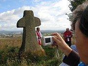 Smírčí kříž na Velišském hřbetě.