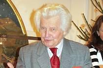 Vladimír Vaclík při páteční vernisáži v novopackém Suchardově domě.