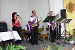 Z prvního hudebního odpoledne v Židovicích s kapelou Josefa Vance.