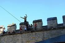 Ze setkání provazochodců na hradě Kost.