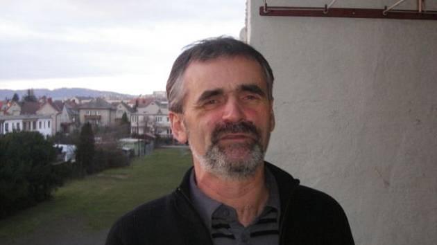 Vladimír Polák, 51 let: Už dlouho si žádná nedávám. Kdysi ano, ale pak jsem zjistil, že je to zbytečné. Záleží to přece na mně a na tom, co je v mých silách, a k tomu nepotřebuju Nový rok.