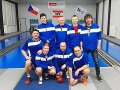 Vítězná radost. Prvoligoví kuželkáři SKK Hořice zdolali třetí Třebíč a získali důležité body.