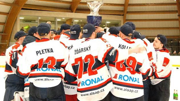 Hokejisté Jičína získali po velkém dramatu titul!
