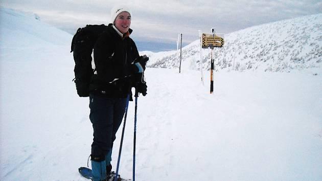 MLADÁ ZDATNÁ TURISTKA Daniela Hroššová z Říčan u Prahy se připravuje na trek kolem Annapuren v Nepálu v příštím roce. I ona trasu zvládla.