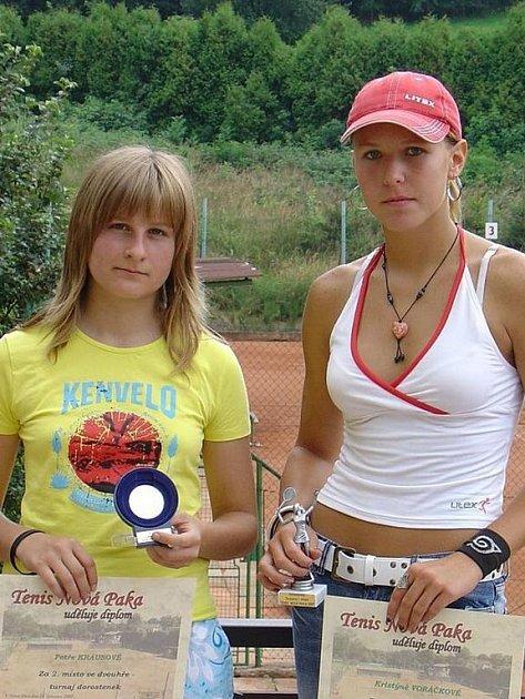 Finalistka dvouhry Petra krausová (vlevo) a vítězka Kristýna Voráčková měly z turnajových výsledků velkou radost.