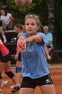 O prvním víkendu se představilo 94 týmů, což je zhruba 960 aktivních hráčů.