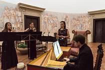 Komorní koncerty u příležitostí státního svátku rozezní hrad Pecku a zámek Humprecht.