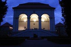Festival bude volně navázal na několikaletou tradici úspěšného Grabštejn World Festu organizovaného na hradě Grabštejně v letech 2003–2014. Pojícím prvkem se stala specifická dramaturgie a využívání genius loci historických památek. Lodžie World fest se s