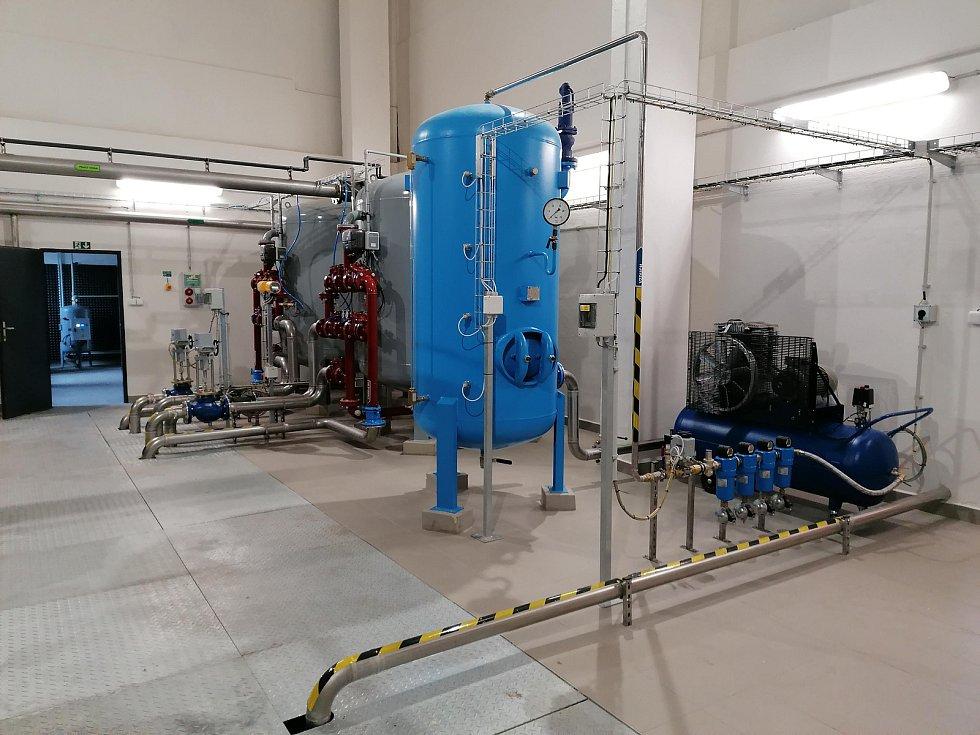Úpravna vody v Hořicích Libonicích je po rozsáhlé rekonstrukci opět v provozu.