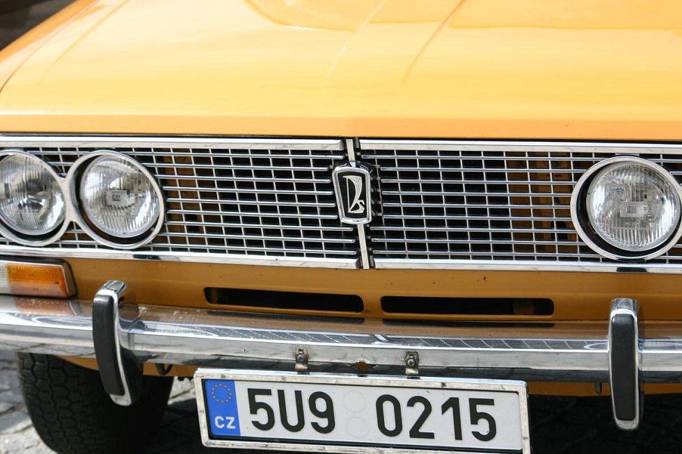Ze srazu majitelů automobilů značky Lada.