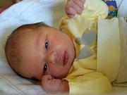 Valerie Jiroutová přišla na svět 14. května s mírou 48 cm a váhou 3,18 kg. S rodiči Lucií Pospíšilovou a Alešem Jiroutem bude žít v Městci Králové. Už se na ní těší sourozenci Vendula a Aleš.