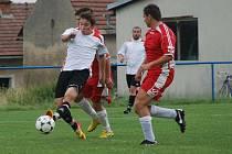 Jakub Vích (v bílém) vstřelil gól Kopidlnu.