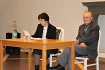 Beseda s profesorem Robertem Kvačkem o únorových událostech roku 1948.