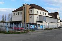 Objekt bývalé jičínské mlékárny.