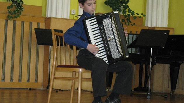 Ze soutěže mladých akordeonistů.